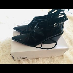 Cheap Monday Cube Pump With Ankle Strap
